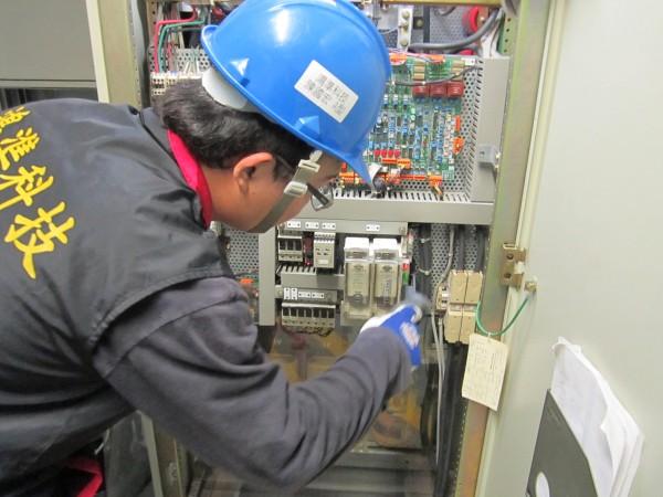 电池检测暨设备维护